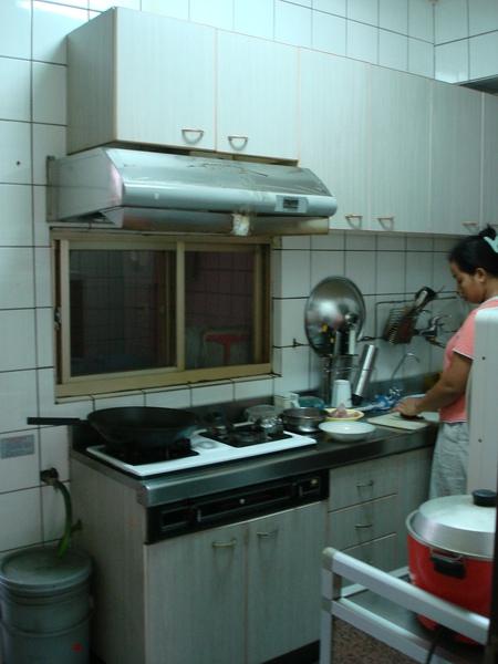 複製 -廚房前.JPG