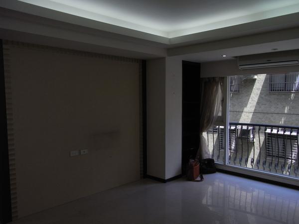 客廳前.JPG