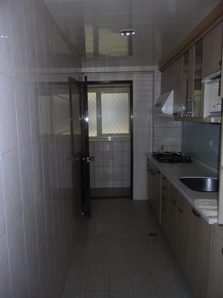 廚房前.JPG