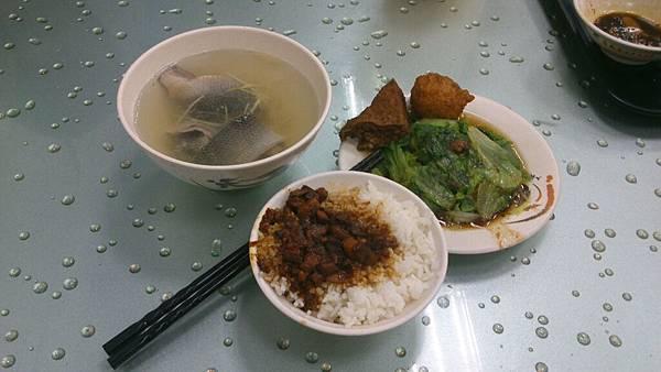 生日吃台南蔡~魚皮湯~~