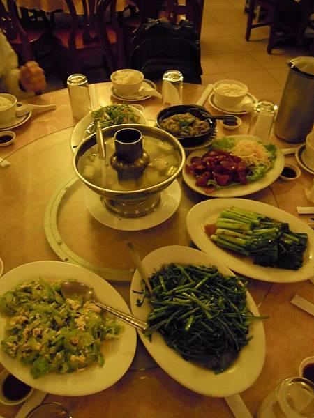 與其說是台菜不如說華人都吃這些