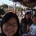 到嘉義火車站了,我們要搭區間車回台中