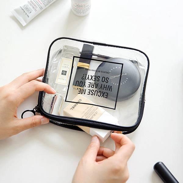 makeup-bag-5.jpeg