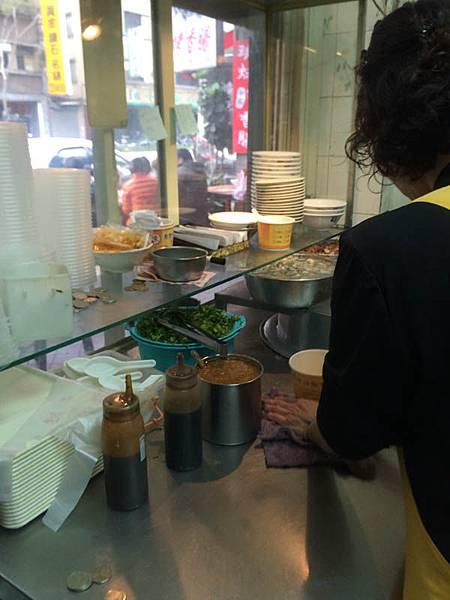 Chen oyster gut noodles (2)-1.JPG