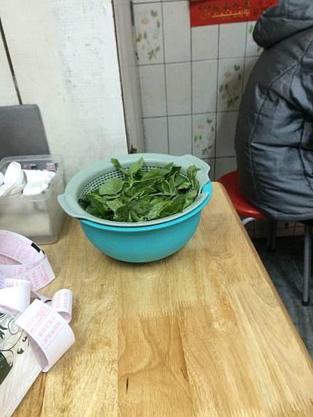 Chen oyster gut noodles (5).JPG