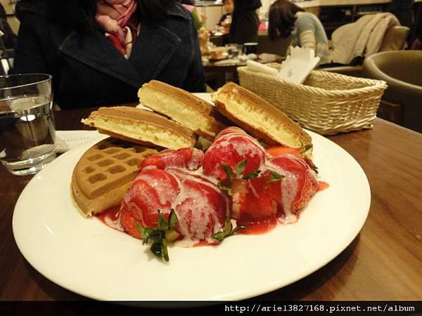 米朗琪~草莓奶油鬆餅