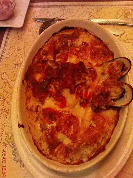 西班牙什錦海鮮焗烤義大利麵