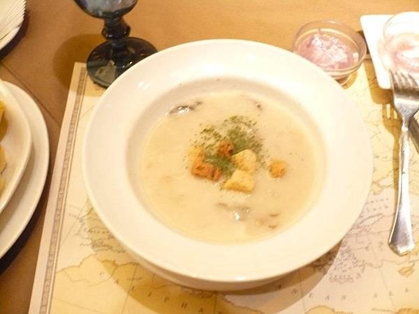地中海蘑菇燻肉(起酥堡)濃湯