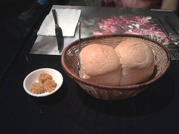 手工香草麵包 & 蒜香醬