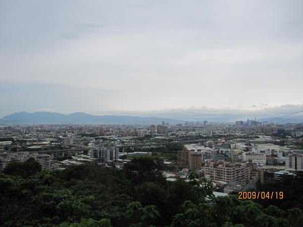 13.可以遠眺101及高鐵.JPG