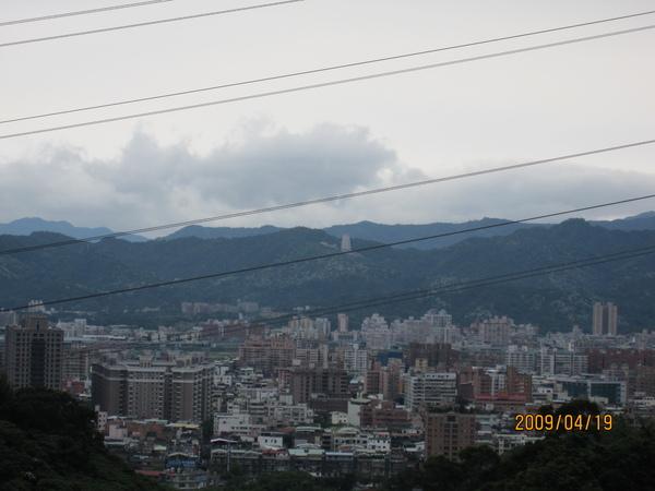 14.山上的視野滿遠的.JPG