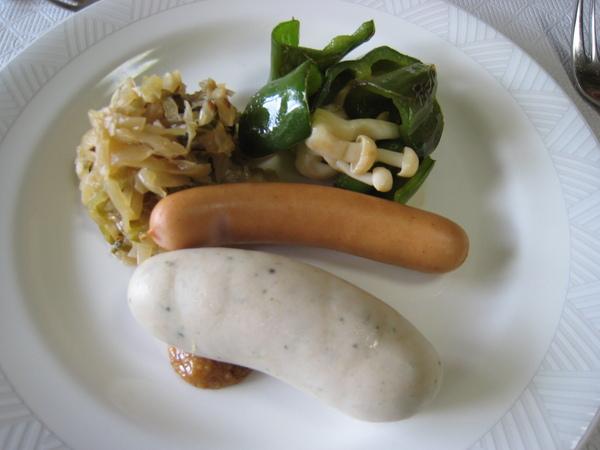980518004早餐的主食為德式香腸.JPG