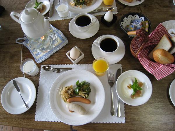0980519002早餐也很豐富喔.JPG