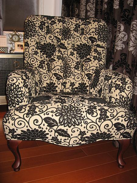 荳荳家近全新的主人椅(含腳椅)大出清!