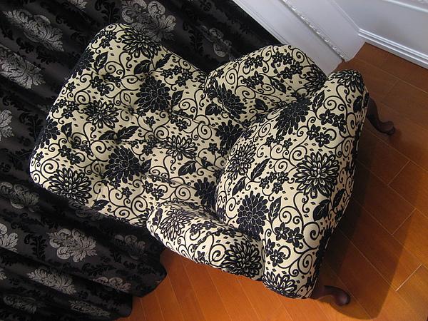 荳荳家近全新的古典主人椅(含腳椅)大出清!
