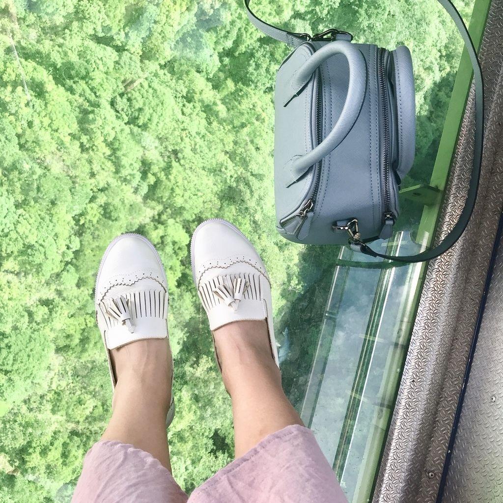 雕花流蘇休閒小白鞋