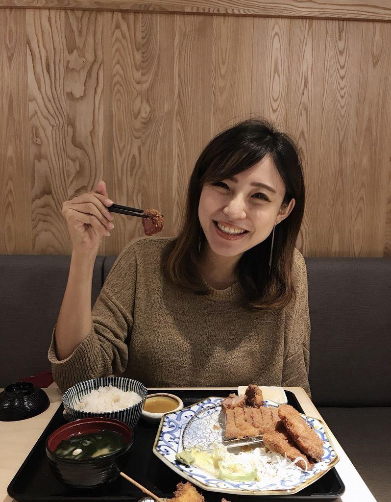 台北信義區A11必吃美食推薦,京都勝牛炸牛排