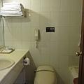 我們的房間...是說為什麼我第一張照的是廁所呀?!XD