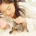 跟賴賴的藝術照,毛茸茸的,她應該蠻愛睡的吧 ^_^