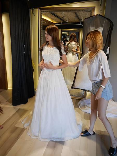 白紗-有袖A字裙
