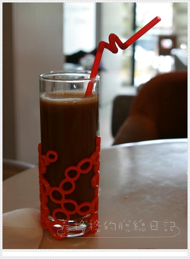 蠻可愛 有造型的杯子.jpg
