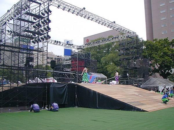 比賽場區的舞台