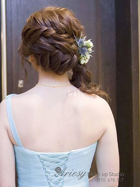 台北新秘,新秘愛瑞思,arisey,新秘推薦,君悅,新娘造型,鮮花造型,韓風編髮,自然清透妝感,甜美風格,蓬鬆線條