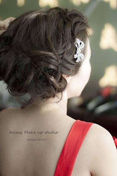 新秘愛瑞思,arisey,新秘推薦,故宮晶華,新娘造型,花藝設計,歐美編髮,自然清透妝感,復古造型