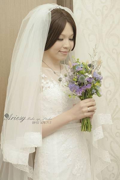 新秘愛瑞思,arisey,新秘推薦,長頭紗,新娘造型,花藝設計,歐美風,自然清透妝感,Dream 婚紗