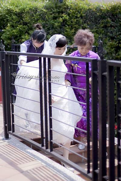 台北新秘,新娘秘書,新秘,新秘推薦,花藝造型,新娘造型,維多利亞,蓬鬆編髮,歐美風,愛瑞思