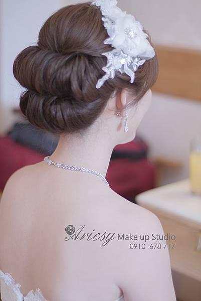 ariesy,愛瑞思,新娘秘書,新秘,編髮,鮮花造型,新娘秘書教學,新秘推薦,自然清透妝感