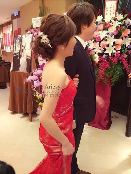 ariesy,愛瑞思,新娘秘書,新秘,編髮,國賓飯店,鮮花,新秘推薦,低馬尾造型