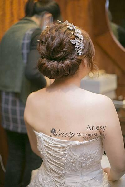 愛瑞思,Ariesy新娘秘書,臺北新秘,推薦,編髮,歐美風,鮮花造型,歐美風,新秘推薦,喜來登