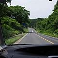 開往奧入瀨溪流的公路。
