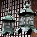 春日大社精細的銅燈籠