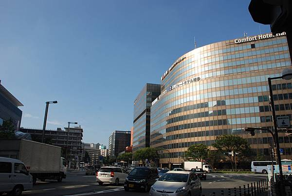 在看一次福岡的街景~天氣好好~