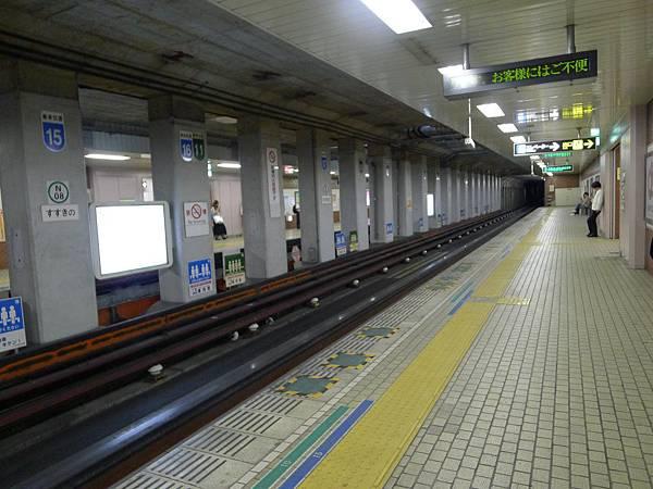 地鐵的感覺很像名古屋~