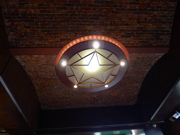 連燈也是星星~