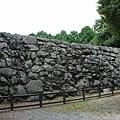 城牆的地基也很高