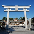 好藍的天空加上護國神社
