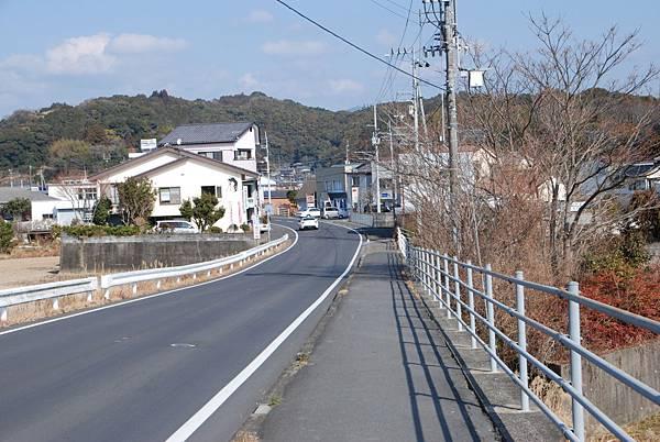 路上都沒有人,我常騎到非腳踏車道