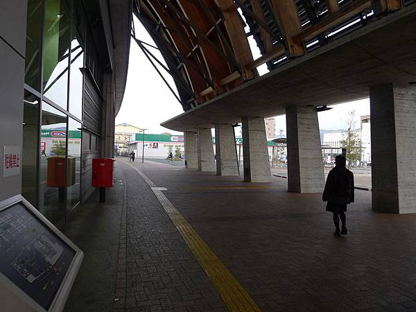 車站好漂亮呀~