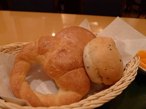麵包有三個可以續