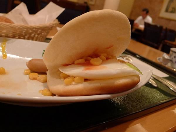 自製玉米蛋漢堡