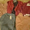 我這次的衣服~直接在UNIQLO買~哈
