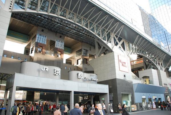 很現代化的京都車站~