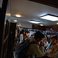 後來湧入好多人...2/3都是台灣人或是香港人呀~