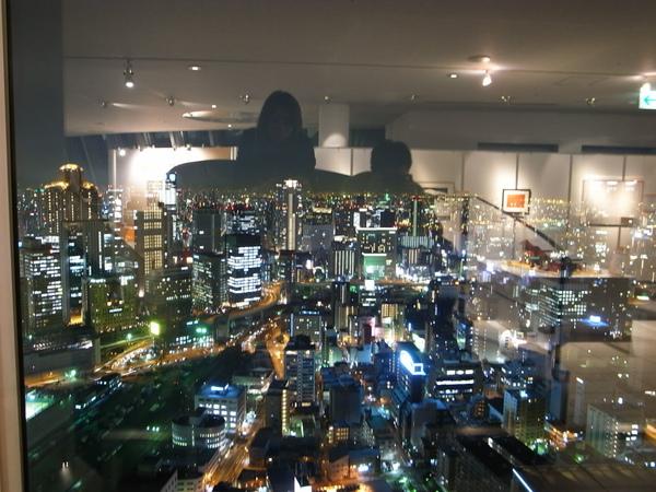 大阪市呀~旁邊再蓋大樓~再過幾年大阪這邊又會長不一樣了~