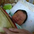 1.1 2010 回家了~但妹妹在睡覺~