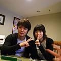 還有他的韓國小女友~~~